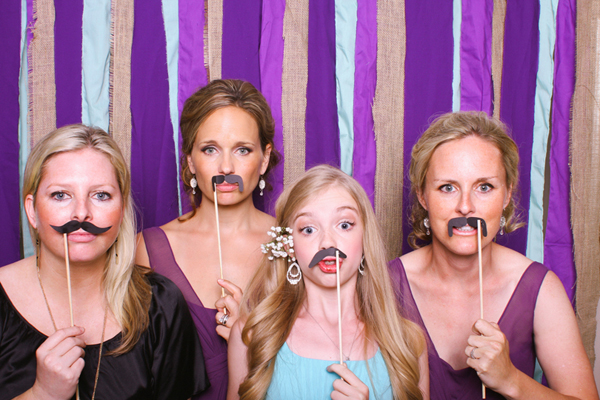 Free-Love_Hot-Dog-Photo-Booth-Moustaches